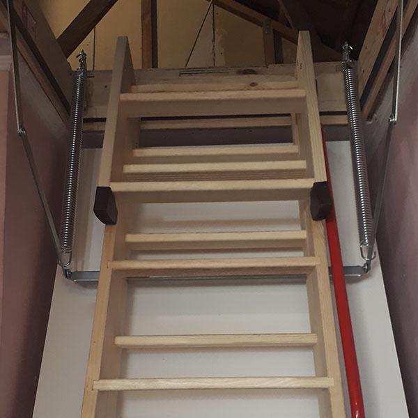Instalación Escalera Escotilla Entretecho